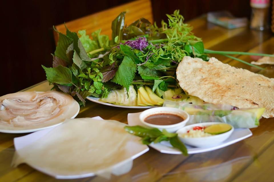 bánh tráng cuốn thịt heo Quỳnh Đại Lộc